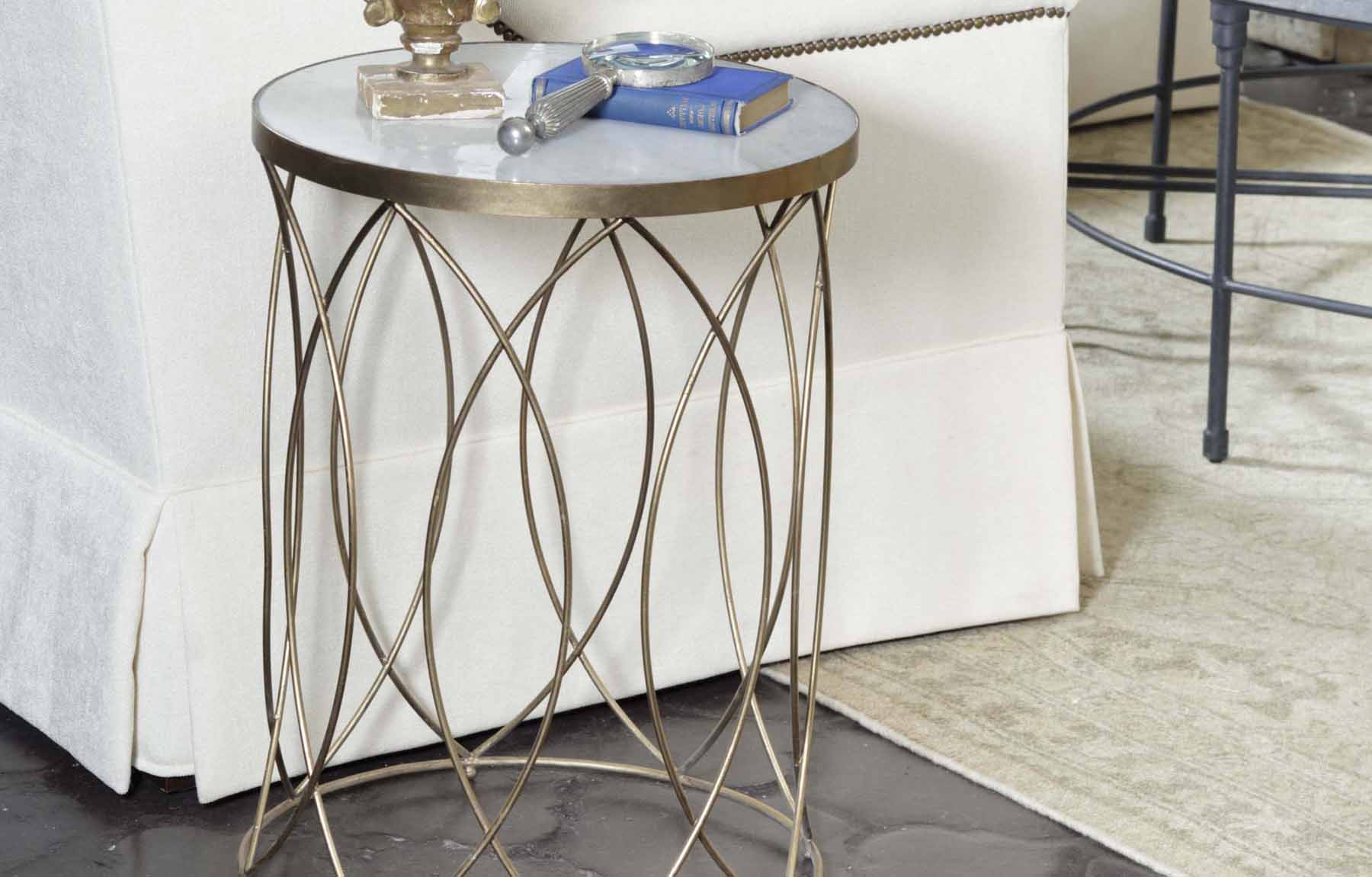 MODERNGOLDSIDETABLE_GB